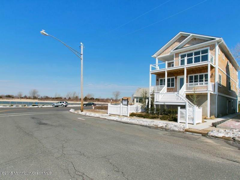 32. Single Family Homes at 550 Riverside Drive Manasquan, New Jersey 08736 United States