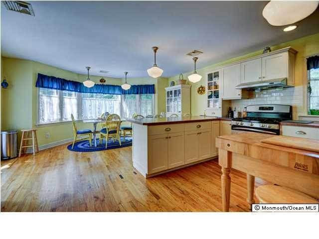 2. Single Family Homes for Sale at 326 South Boulevard Spring Lake, New Jersey 07762 United States