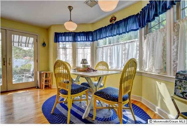 6. Single Family Homes for Sale at 326 South Boulevard Spring Lake, New Jersey 07762 United States