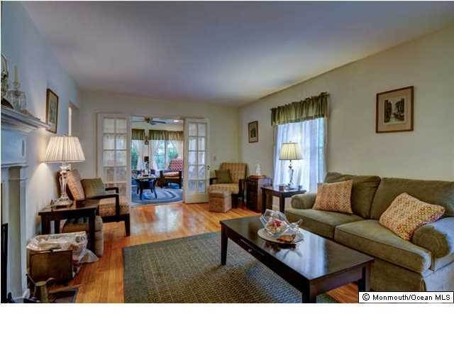 8. Single Family Homes for Sale at 326 South Boulevard Spring Lake, New Jersey 07762 United States