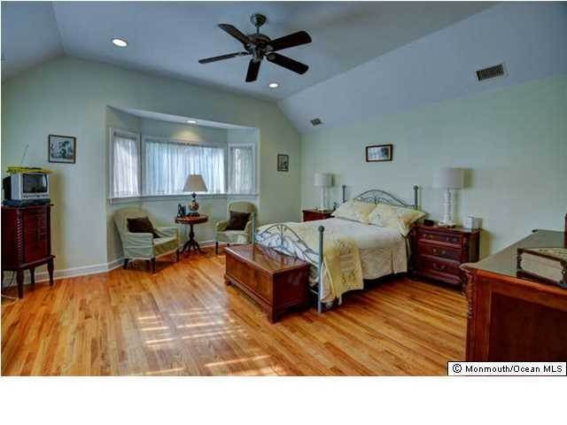 21. Single Family Homes for Sale at 326 South Boulevard Spring Lake, New Jersey 07762 United States