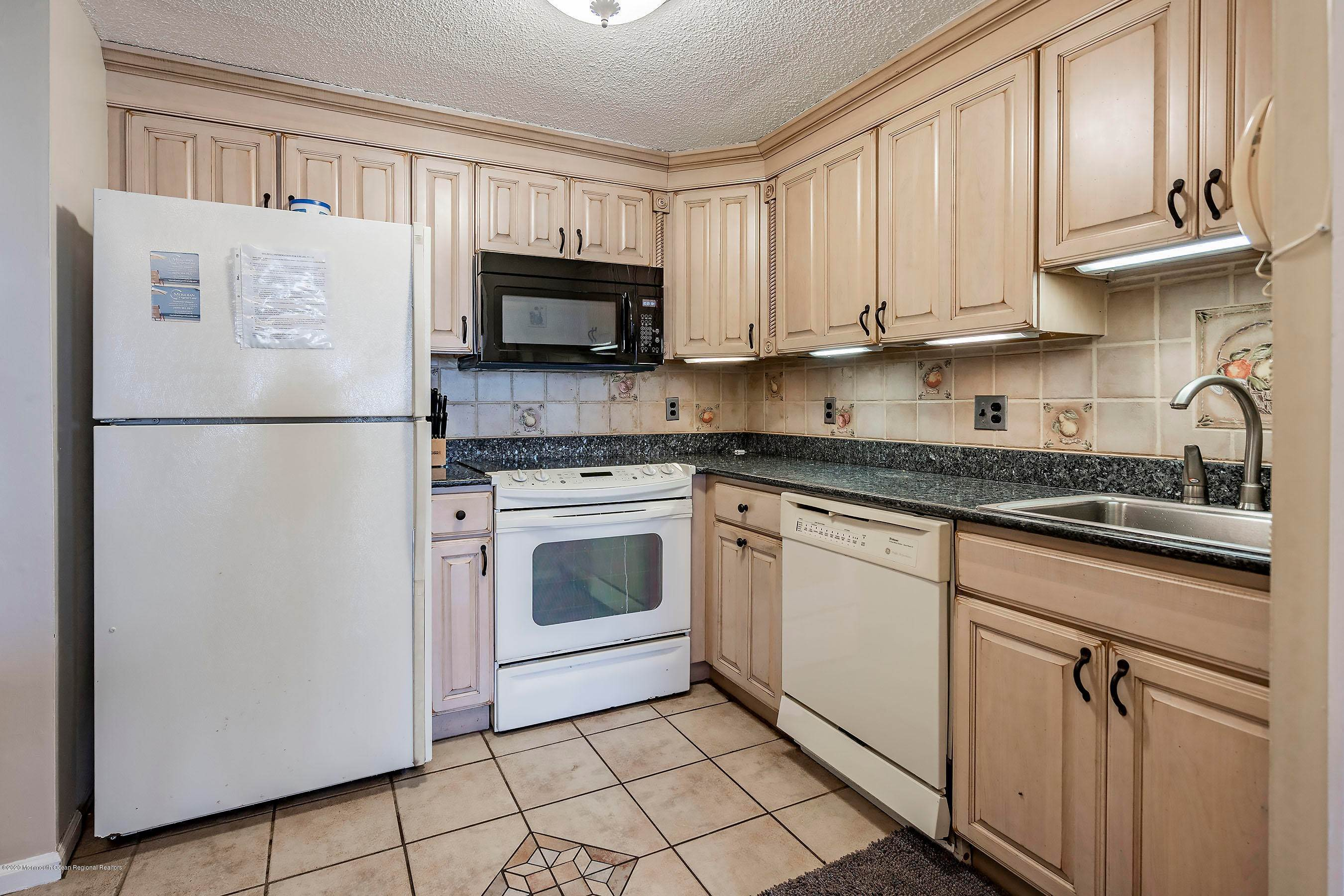 11. Condominiums for Sale at 9 Pearl Street Beach Haven, New Jersey 08008 United States