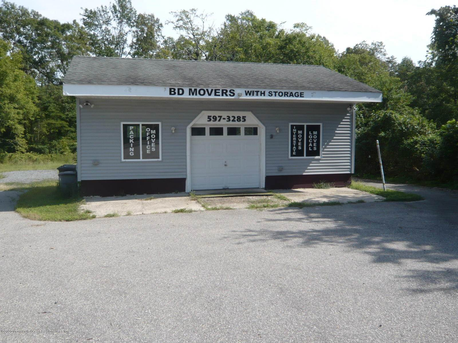 22. Commercial for Sale at 909 Main Street Manahawkin, New Jersey 08050 United States