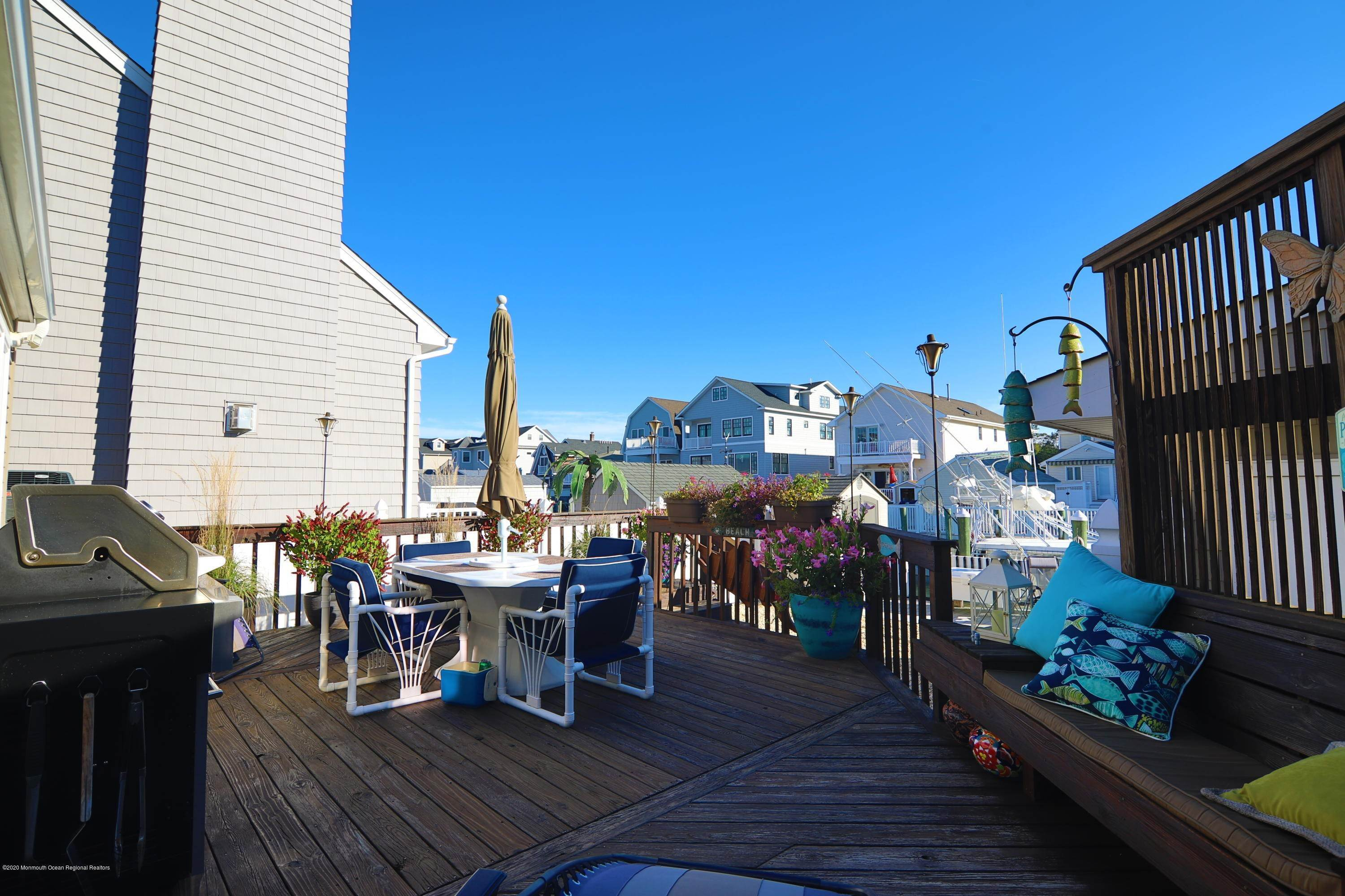 31. Single Family Homes for Sale at 479 Long Avenue Manasquan, New Jersey 08736 United States