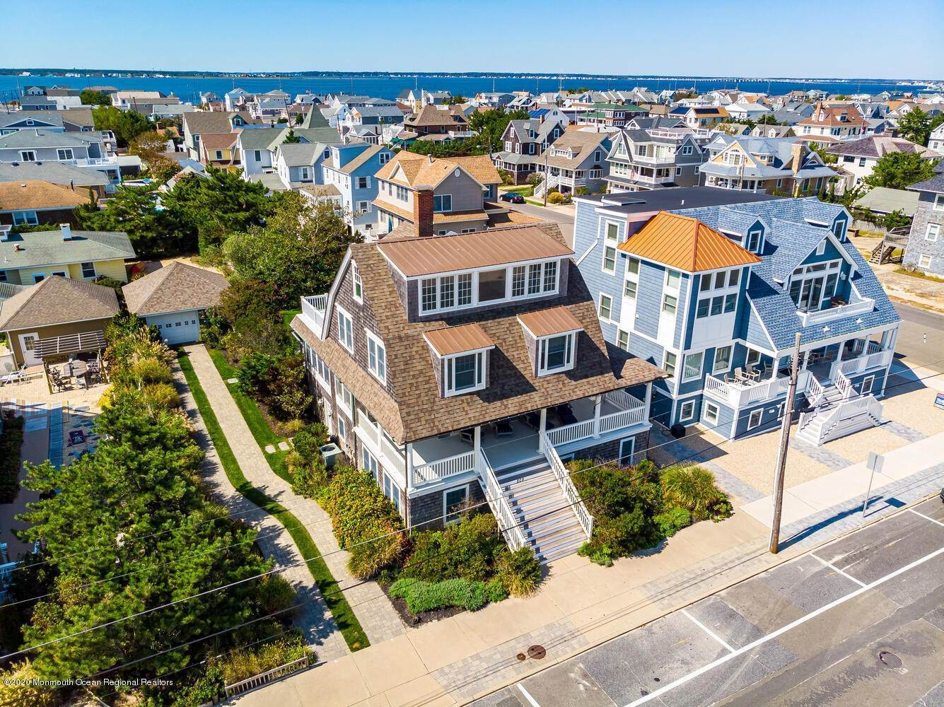 6. Single Family Homes for Sale at 809 Ocean Avenue Seaside Park, New Jersey 08752 United States