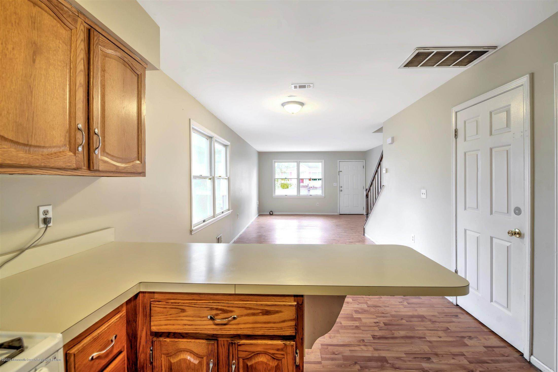 17. Condominiums for Sale at 401 Buermann Avenue Toms River, New Jersey 08753 United States