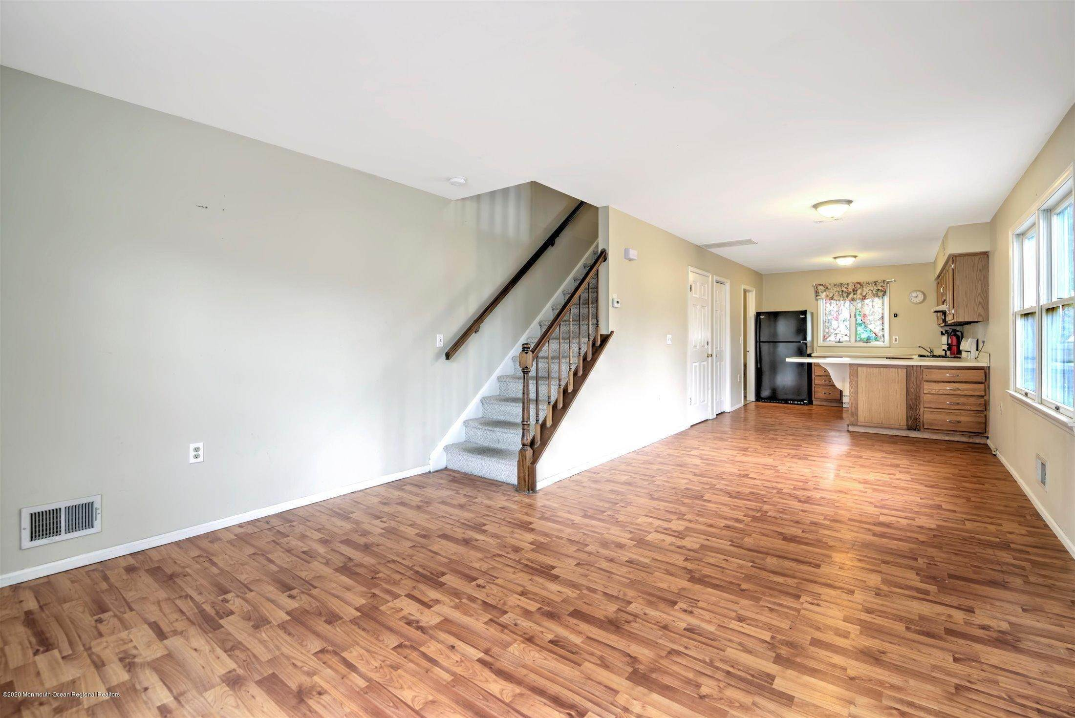 5. Condominiums for Sale at 401 Buermann Avenue Toms River, New Jersey 08753 United States
