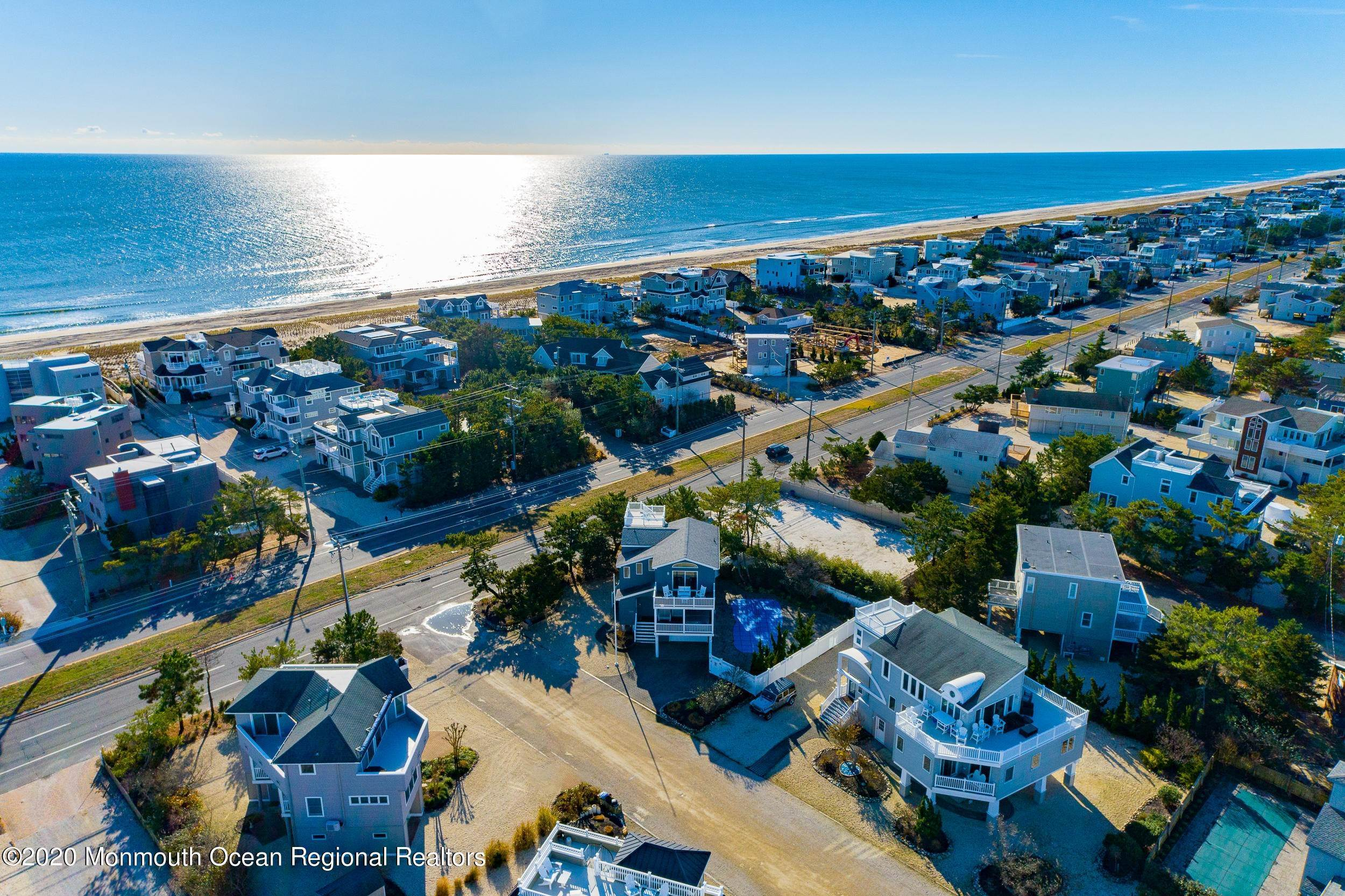 37. Single Family Homes for Sale at 1086 Long Beach Boulevard Long Beach Township, New Jersey 08008 United States