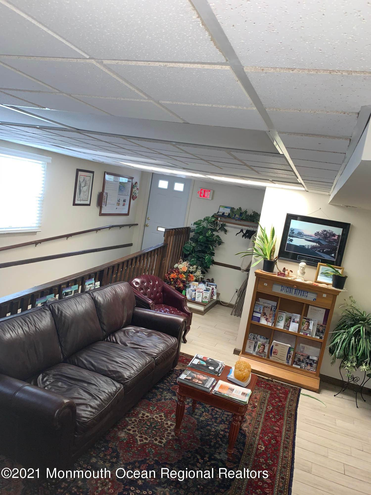21. Commercial for Sale at 158 Main Street Matawan, New Jersey 07747 United States