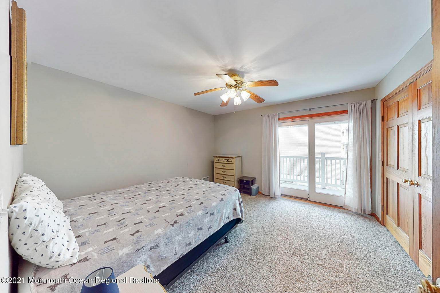 15. Single Family Homes for Sale at 112 Kearney Avenue Seaside Heights, New Jersey 08751 United States