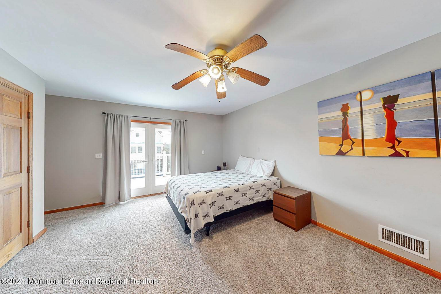18. Single Family Homes for Sale at 112 Kearney Avenue Seaside Heights, New Jersey 08751 United States