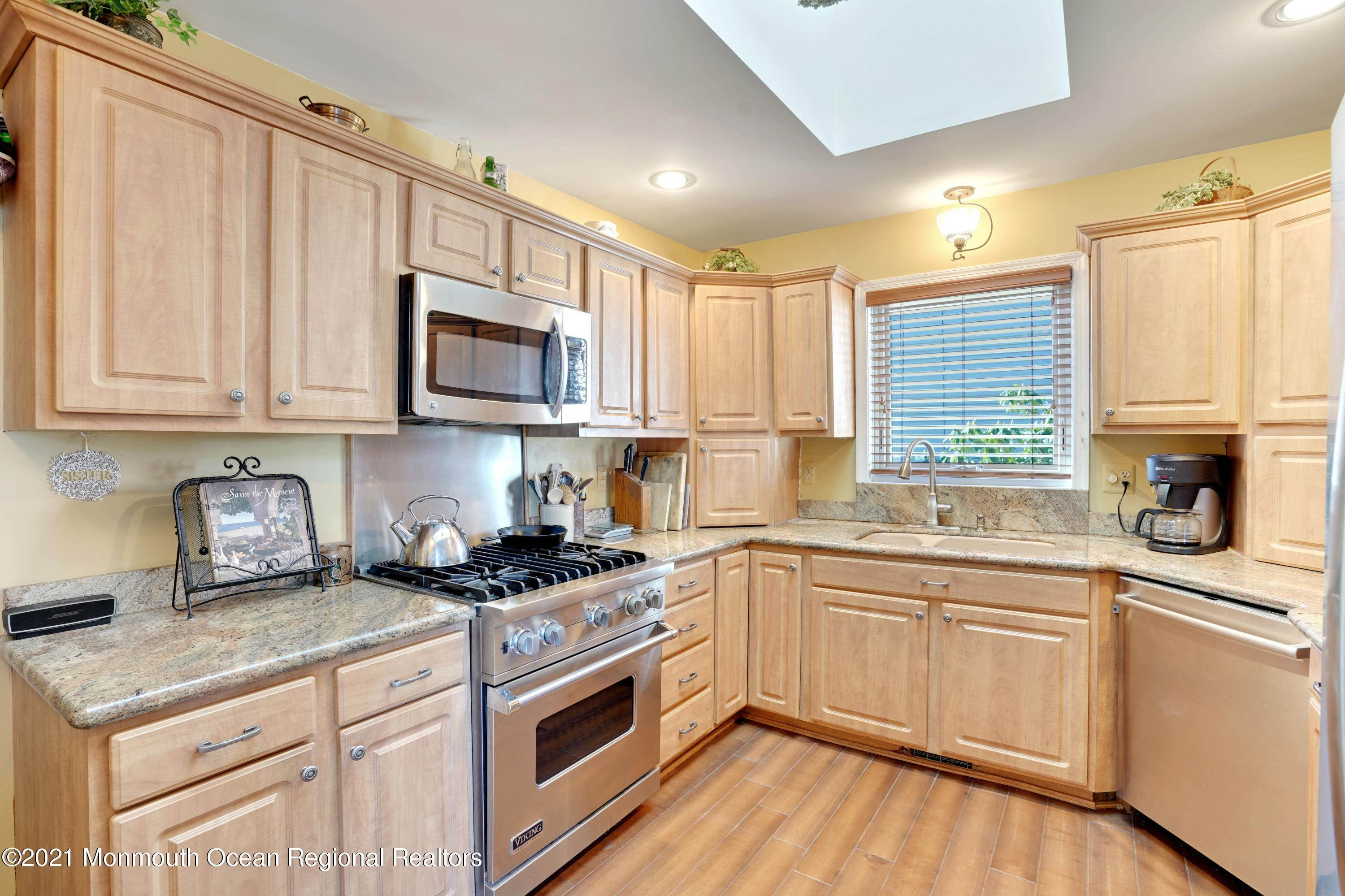 9. Single Family Homes for Sale at 721 Fairview Lane Forked River, New Jersey 08731 United States