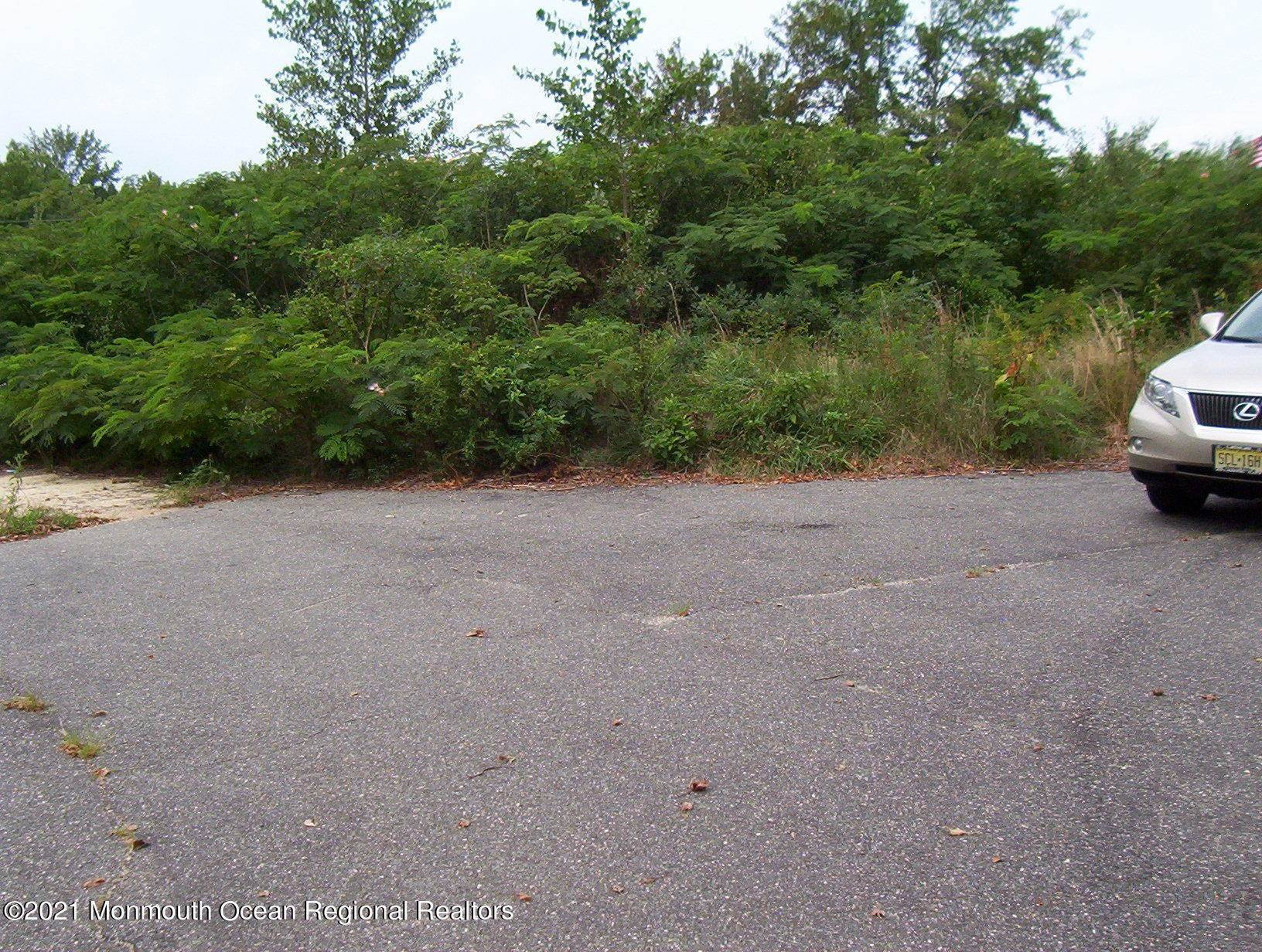 3. Commercial for Sale at 555 Bay Avenue Manahawkin, New Jersey 08050 United States