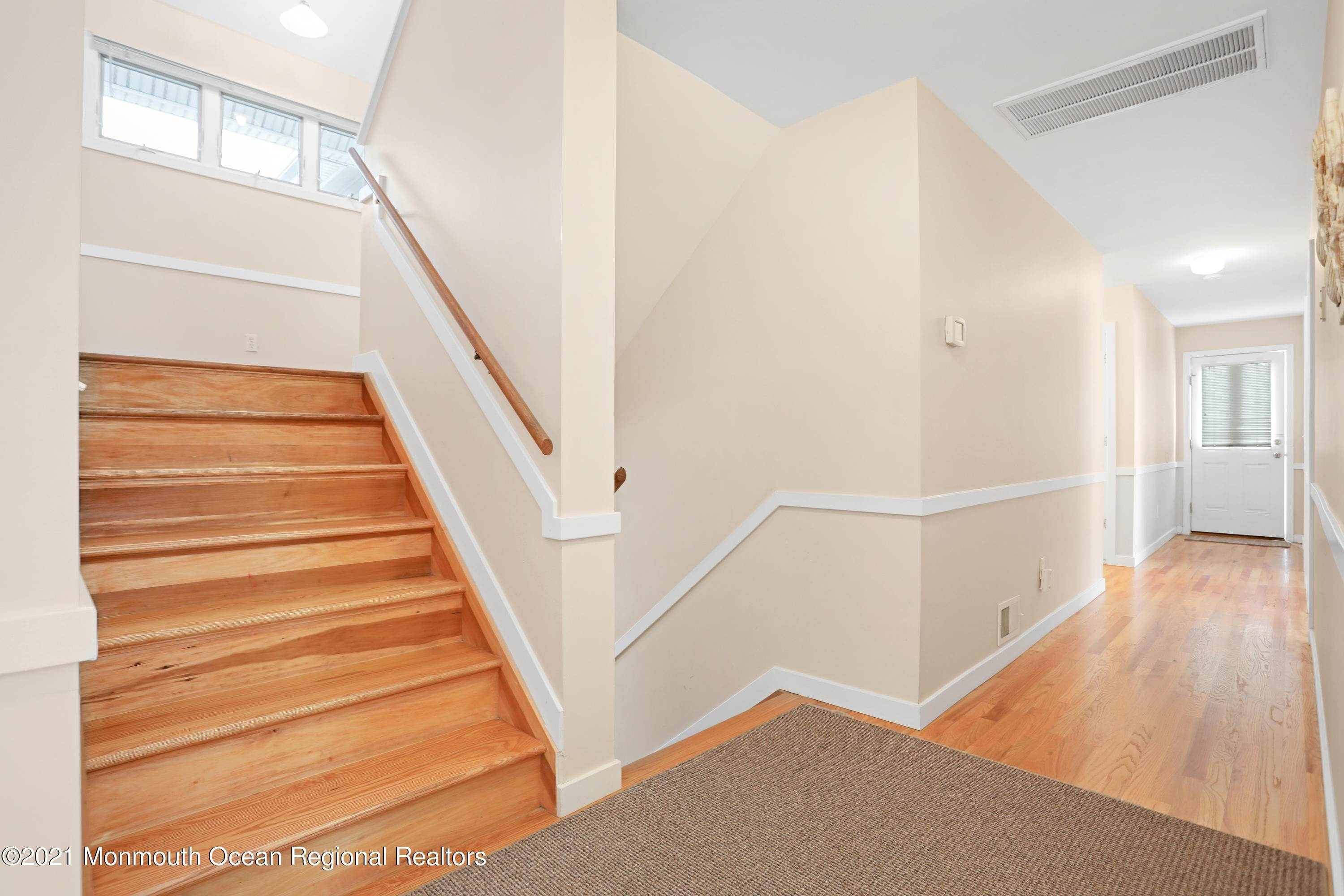 38. Single Family Homes for Sale at 1904 Beacon Lane Point Pleasant Beach, New Jersey 08742 United States