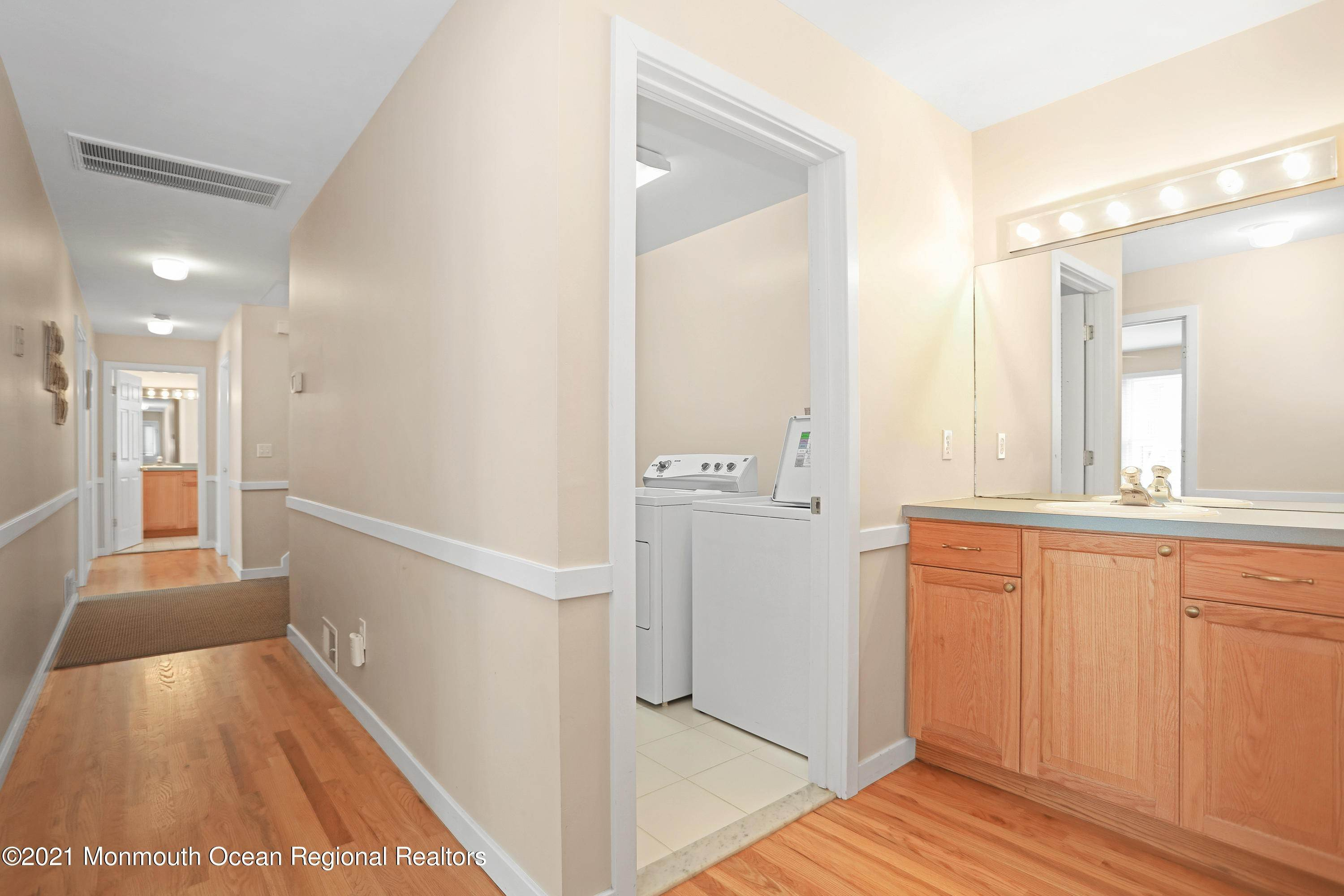 33. Single Family Homes for Sale at 1904 Beacon Lane Point Pleasant Beach, New Jersey 08742 United States