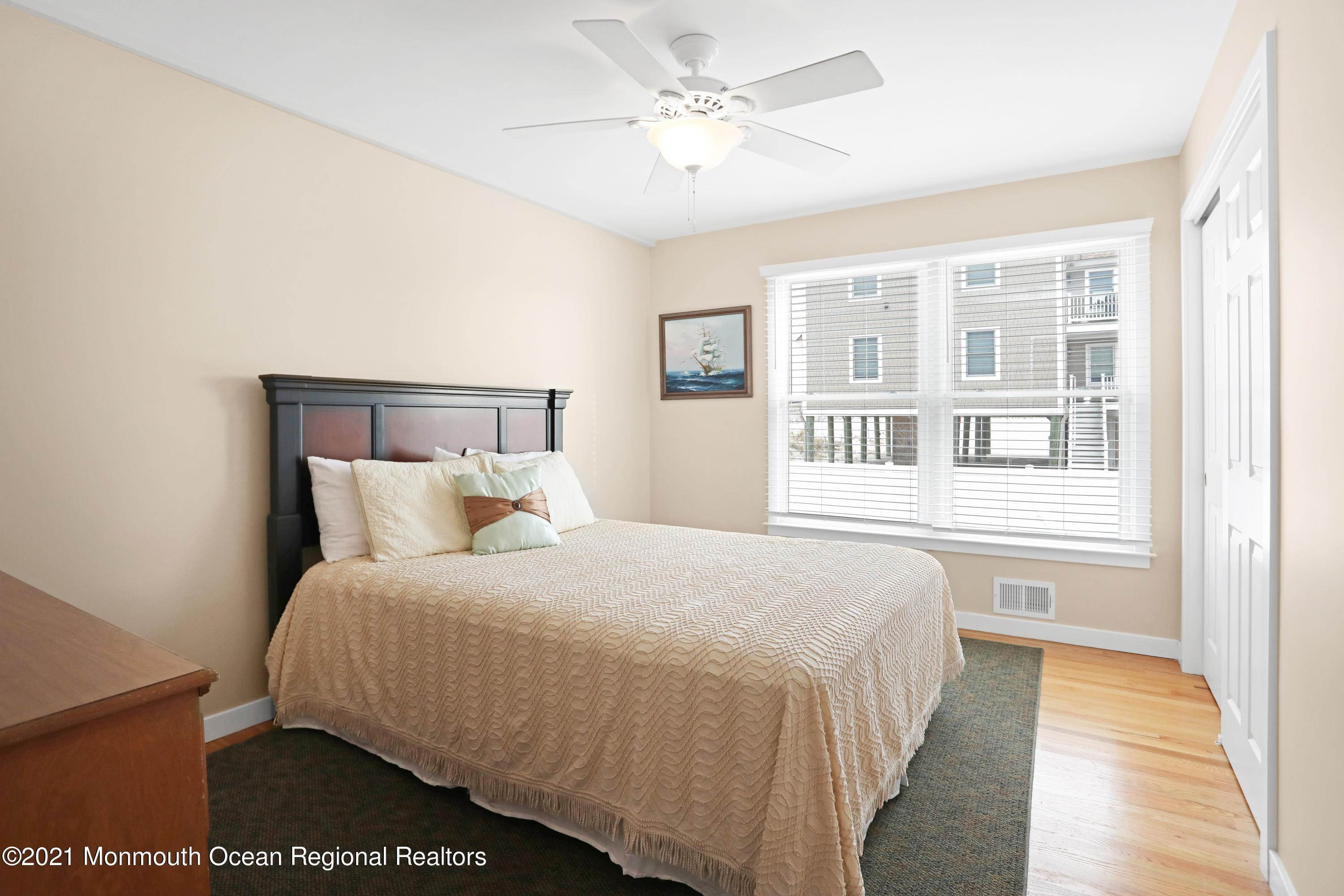 31. Single Family Homes for Sale at 1904 Beacon Lane Point Pleasant Beach, New Jersey 08742 United States