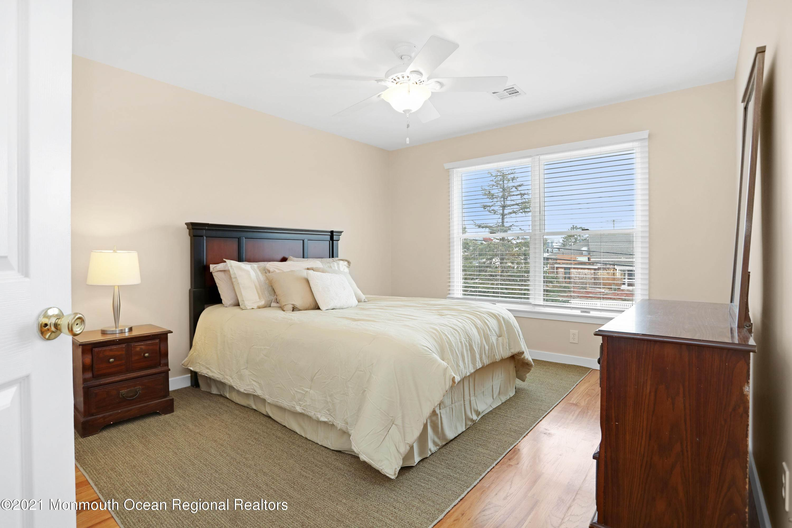 28. Single Family Homes for Sale at 1904 Beacon Lane Point Pleasant Beach, New Jersey 08742 United States