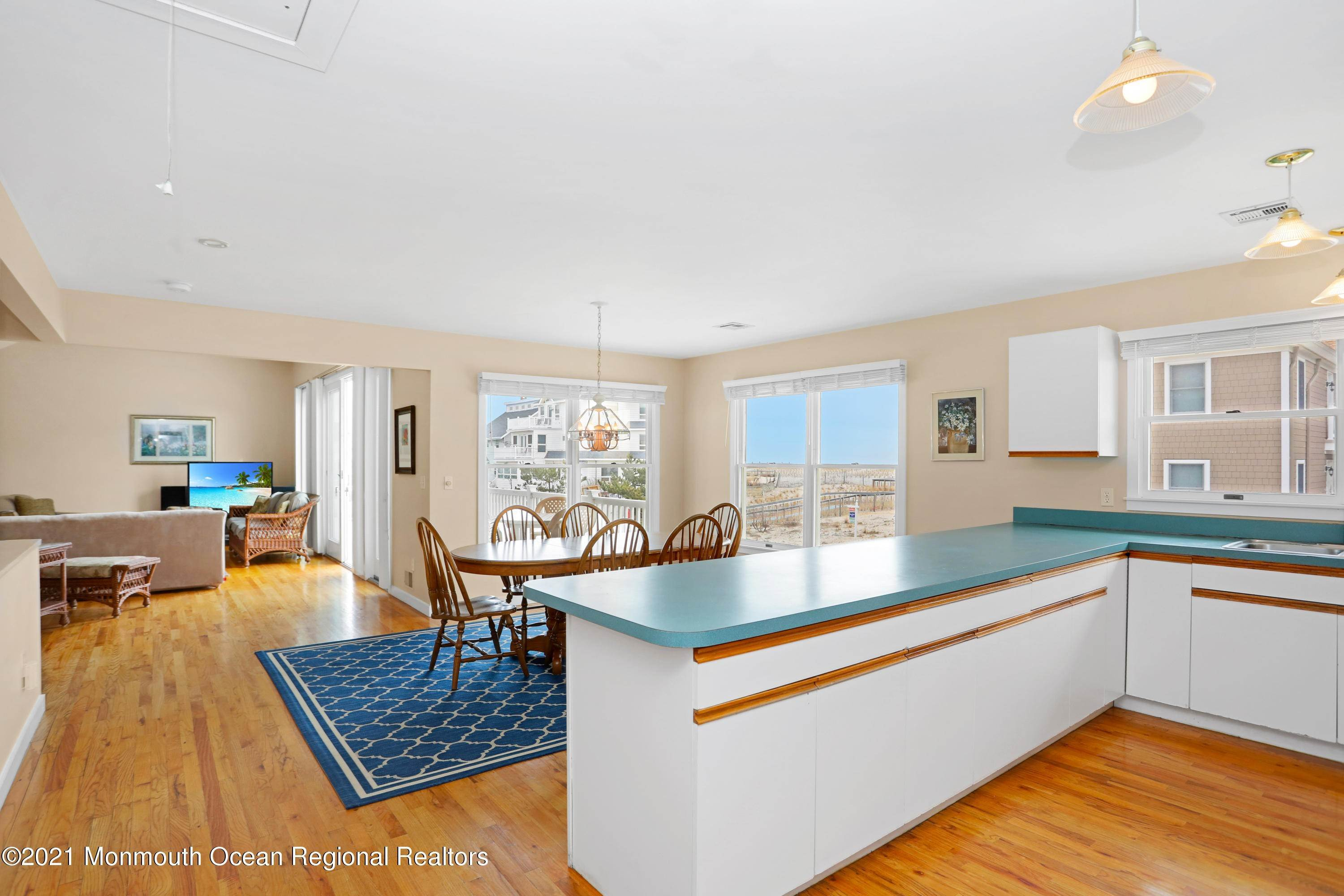 15. Single Family Homes for Sale at 1904 Beacon Lane Point Pleasant Beach, New Jersey 08742 United States