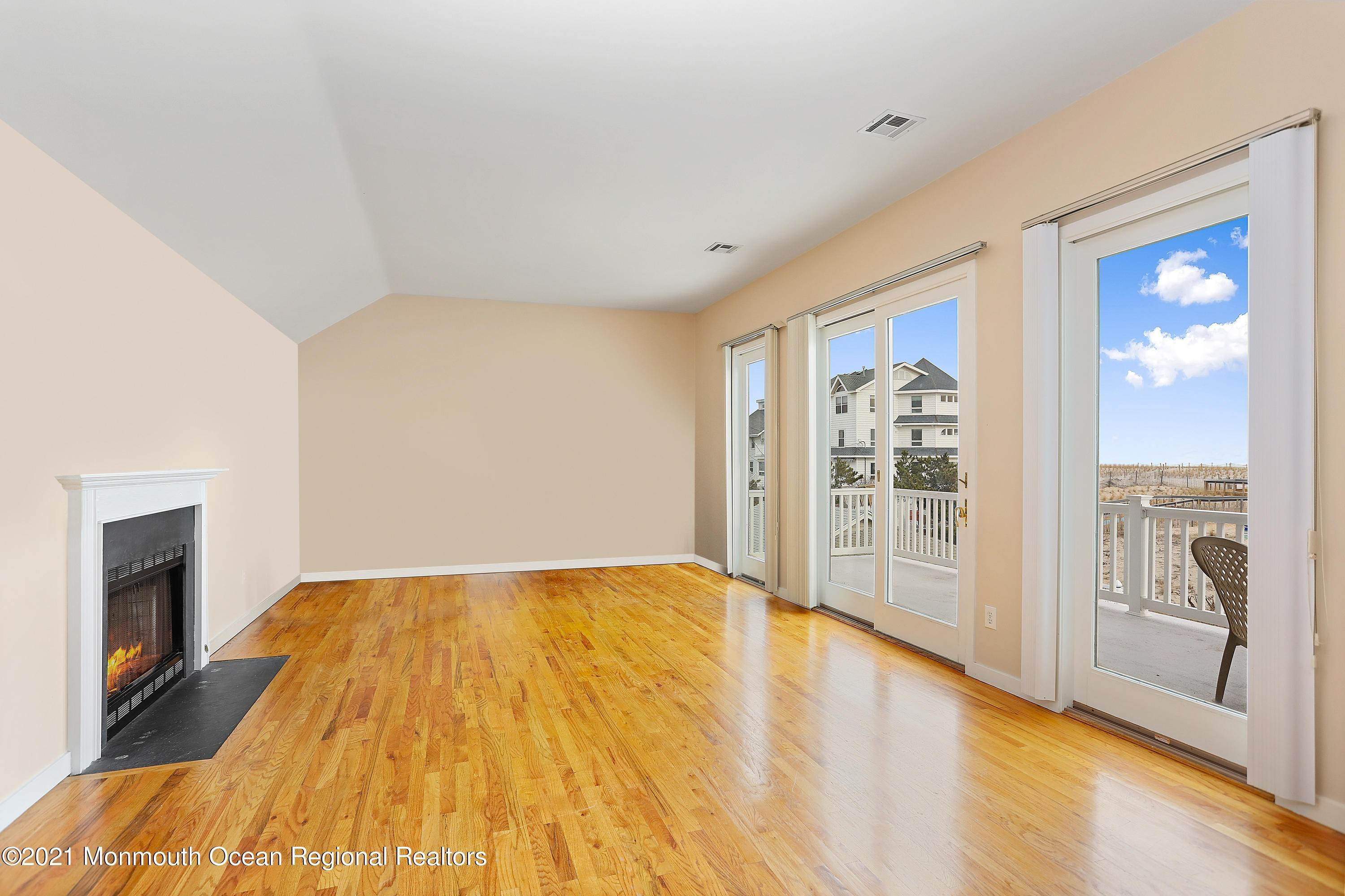 17. Single Family Homes for Sale at 1904 Beacon Lane Point Pleasant Beach, New Jersey 08742 United States