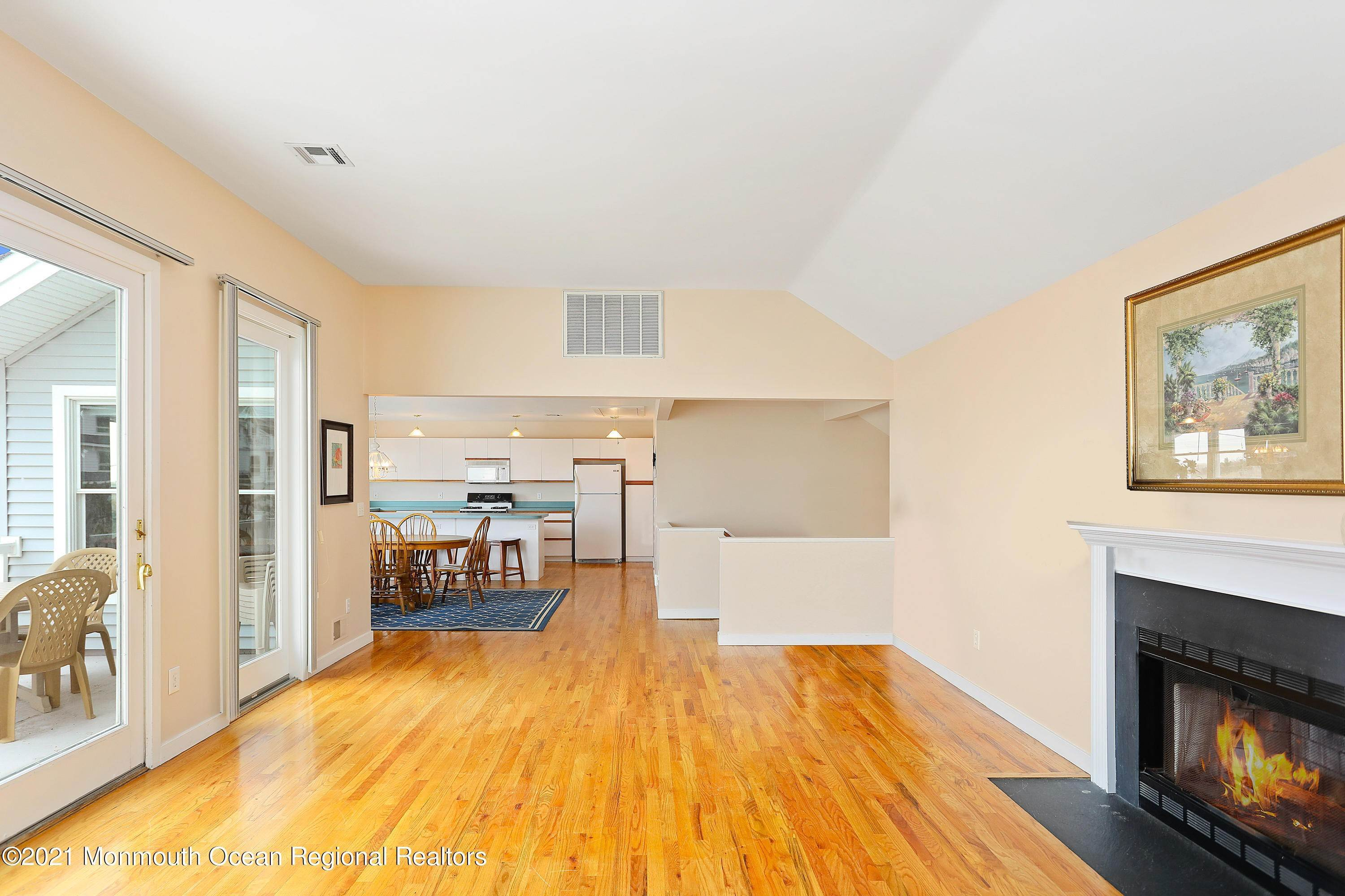 19. Single Family Homes for Sale at 1904 Beacon Lane Point Pleasant Beach, New Jersey 08742 United States