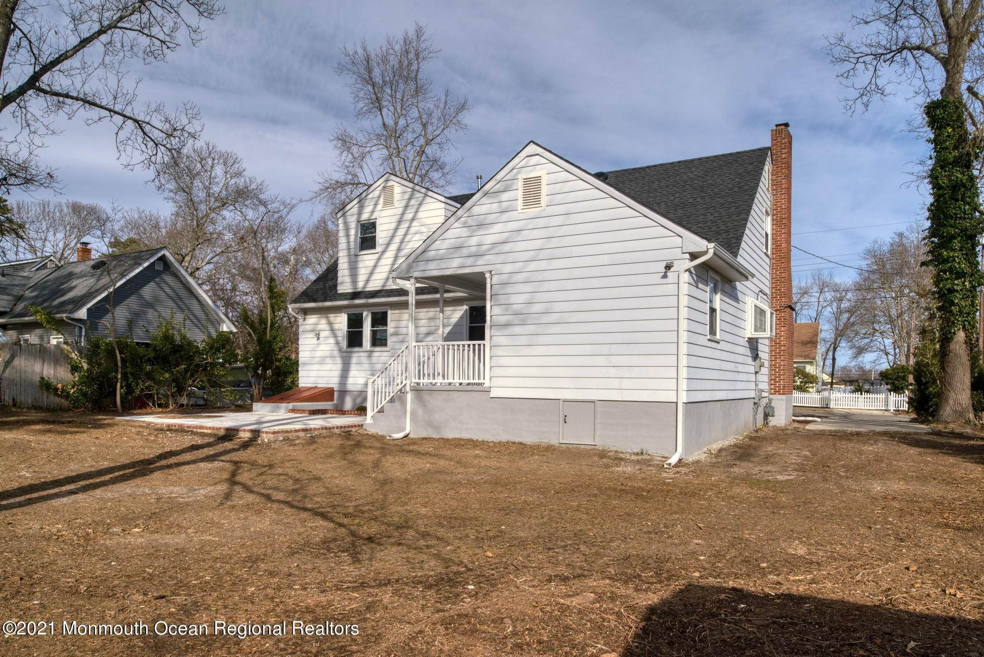 44. Single Family Homes for Sale at 41 Cornell Drive Manahawkin, New Jersey 08050 United States