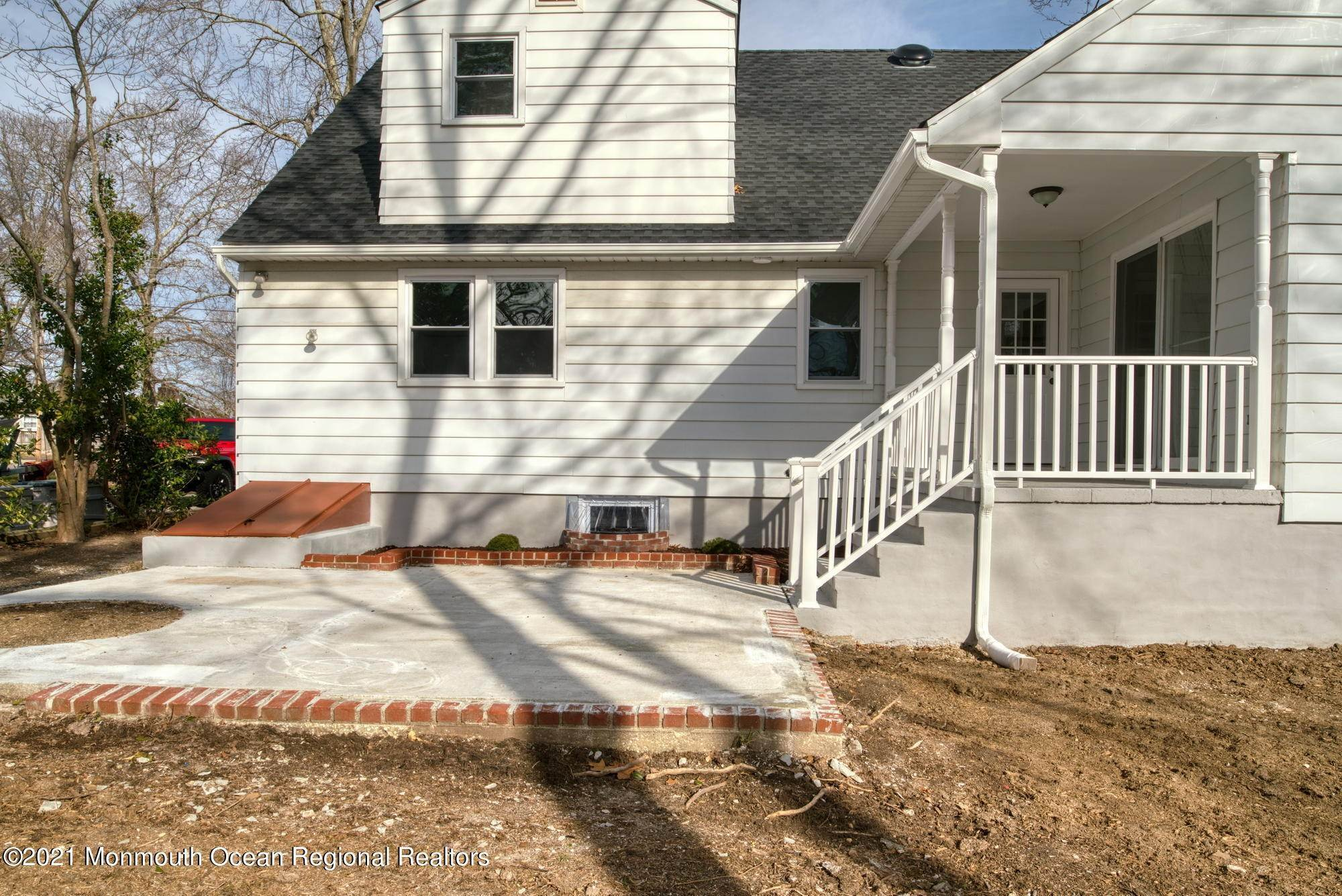 47. Single Family Homes for Sale at 41 Cornell Drive Manahawkin, New Jersey 08050 United States