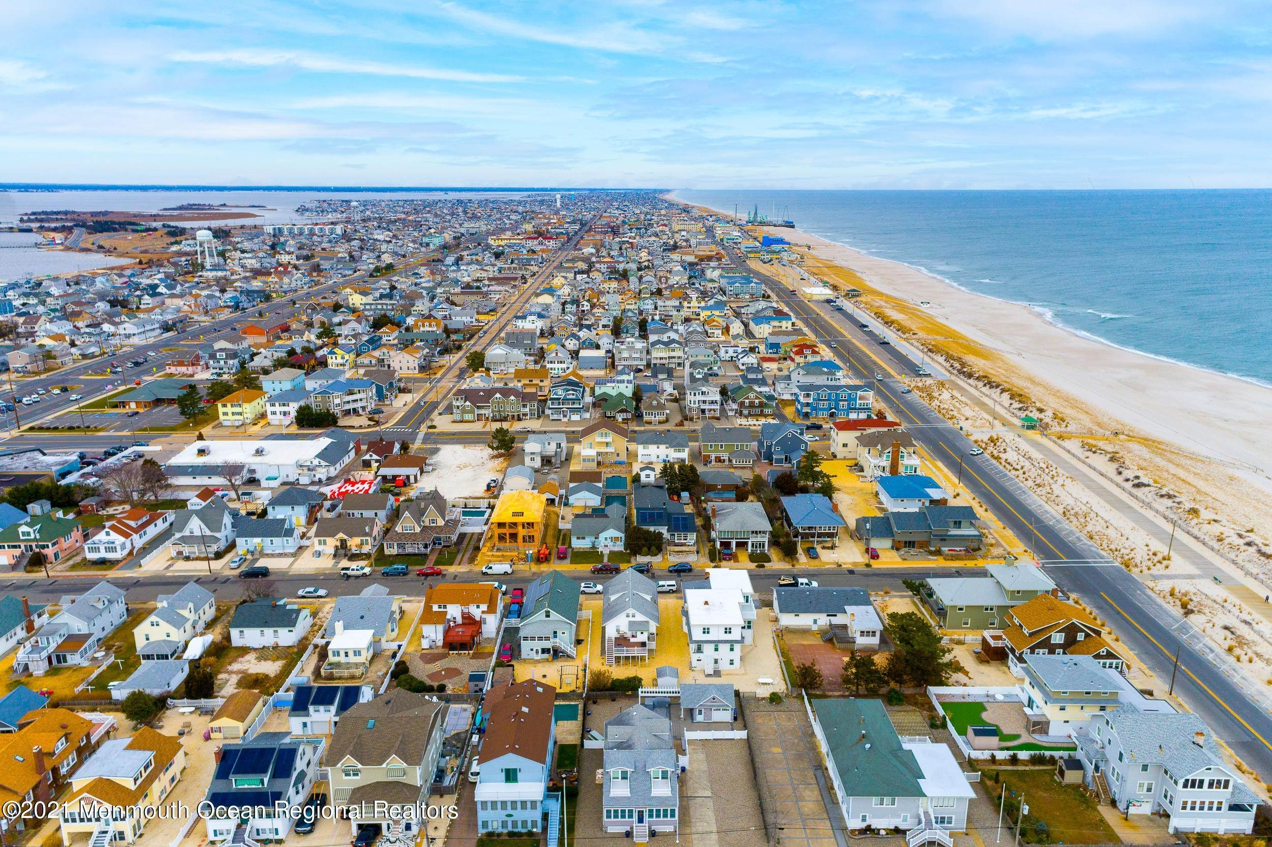 38. Multi-Family Homes for Sale at 17 I Street Seaside Park, New Jersey 08752 United States