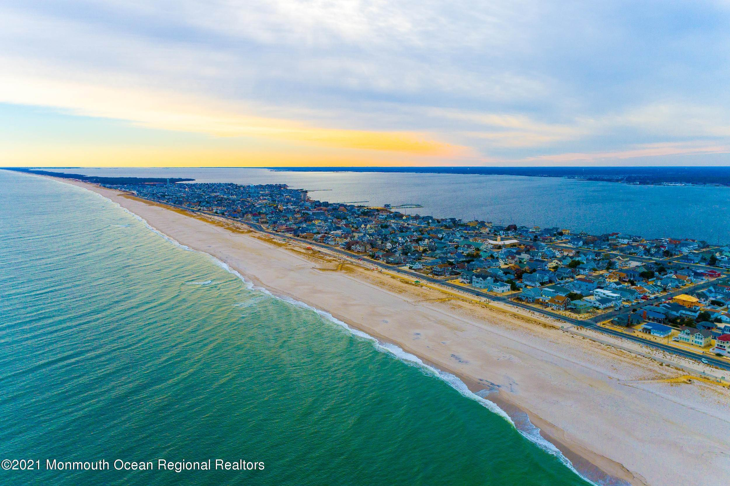 45. Multi-Family Homes for Sale at 17 I Street Seaside Park, New Jersey 08752 United States
