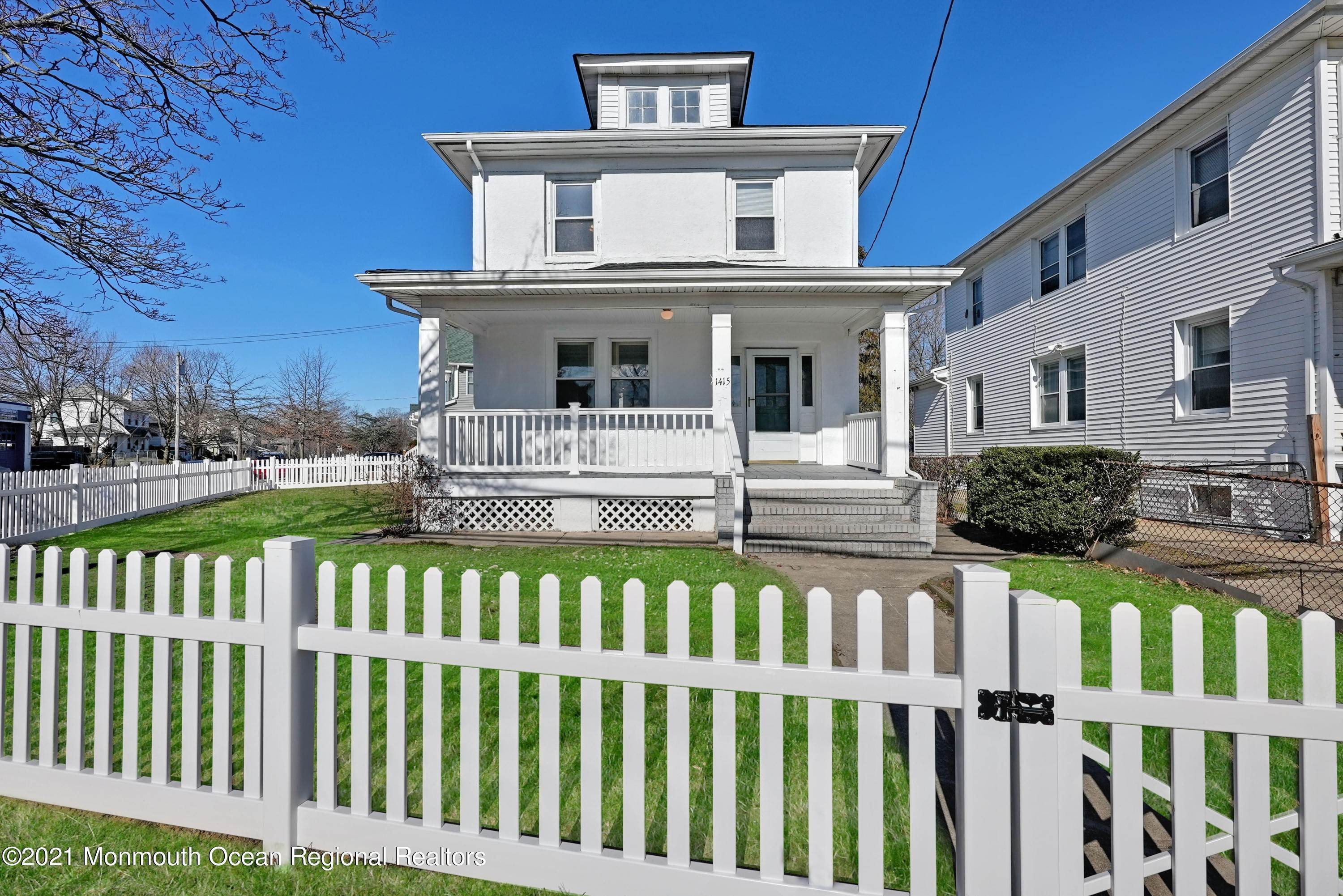 4. Single Family Homes for Sale at 1415 Asbury Avenue Asbury Park, New Jersey 07712 United States
