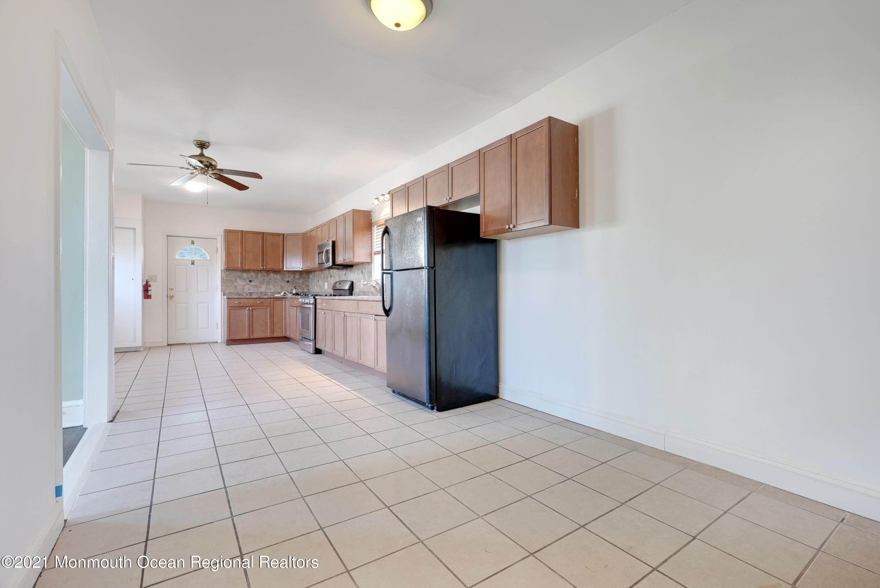 20. Single Family Homes for Sale at 1415 Asbury Avenue Asbury Park, New Jersey 07712 United States