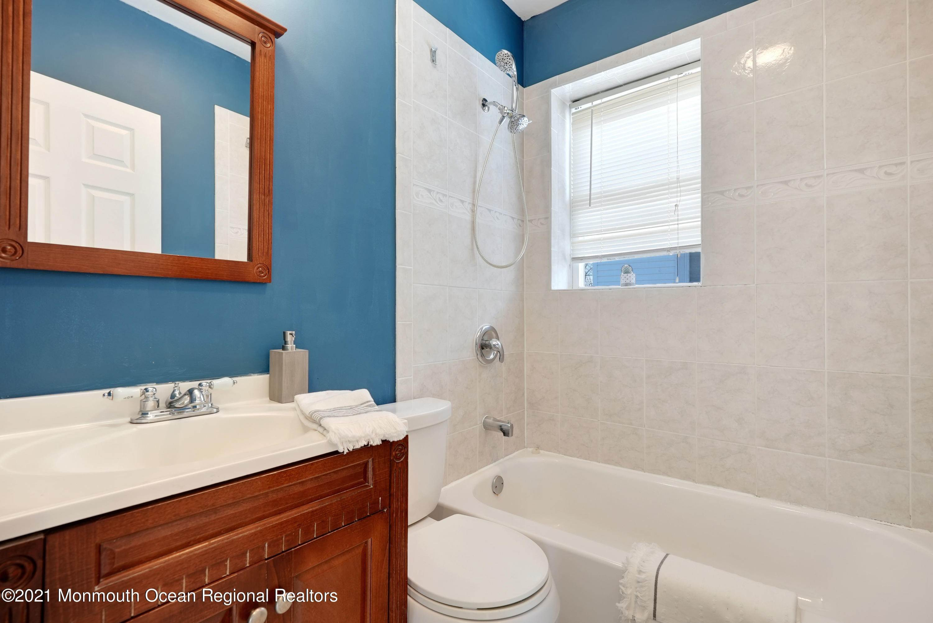 31. Single Family Homes for Sale at 1415 Asbury Avenue Asbury Park, New Jersey 07712 United States