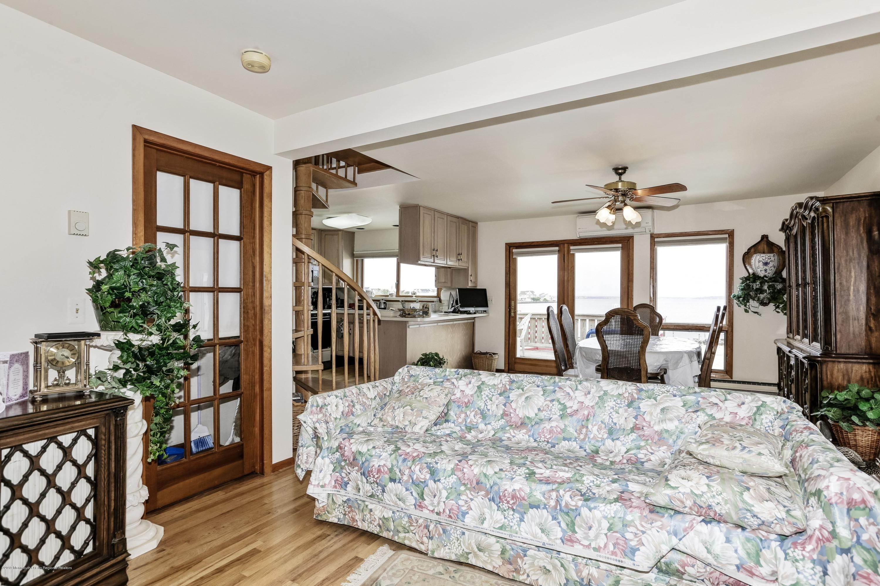 13. Multi-Family Homes for Sale at 133 M Street Seaside Park, New Jersey 08752 United States