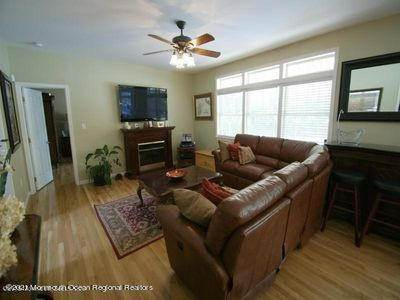 15. Single Family Homes for Sale at 90 Kettle Creek Road Toms River, New Jersey 08753 United States