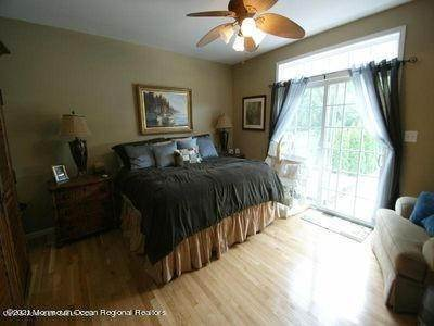 17. Single Family Homes for Sale at 90 Kettle Creek Road Toms River, New Jersey 08753 United States