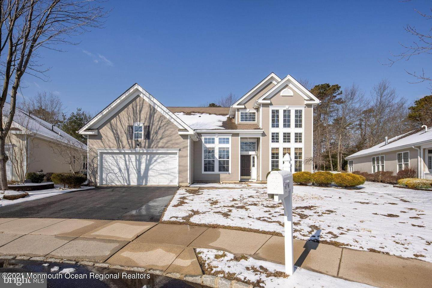 3. Single Family Homes for Sale at 10 Whitecaps Terr Terrace Barnegat, New Jersey 08005 United States