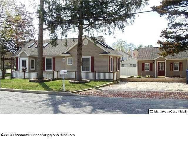 Single Family Homes for Sale at 522 Princess Court Toms River, New Jersey 08753 United States