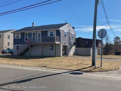 Single Family Homes for Sale at 256 Brennan Concourse Bayville, New Jersey 08721 United States