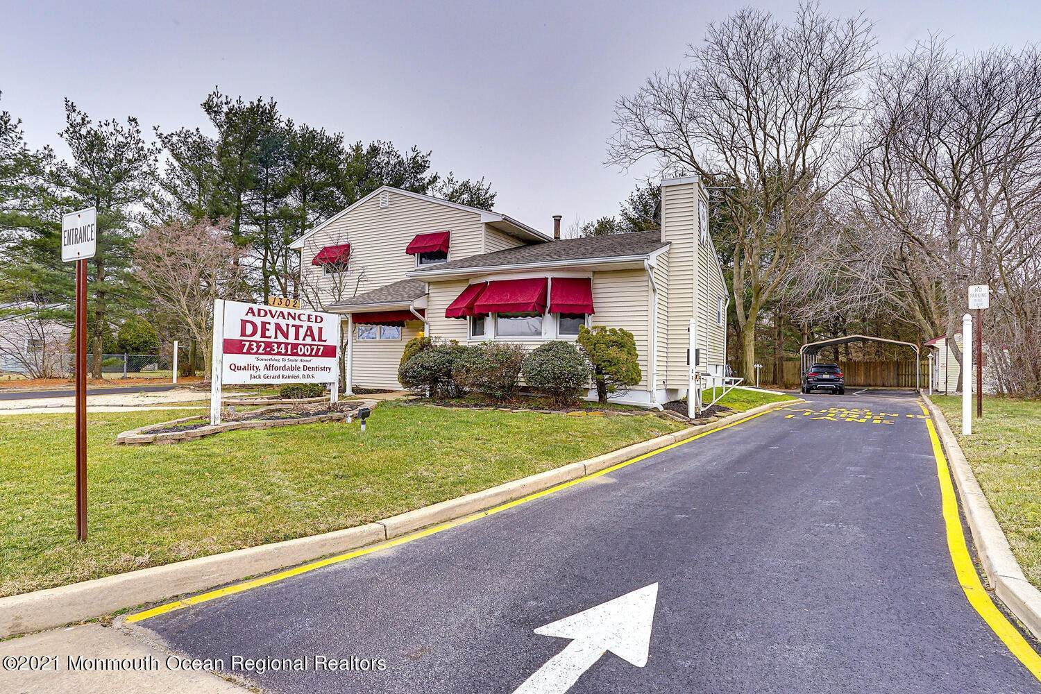 6. Commercial for Sale at 1302 Old Freehold Road Toms River, New Jersey 08753 United States