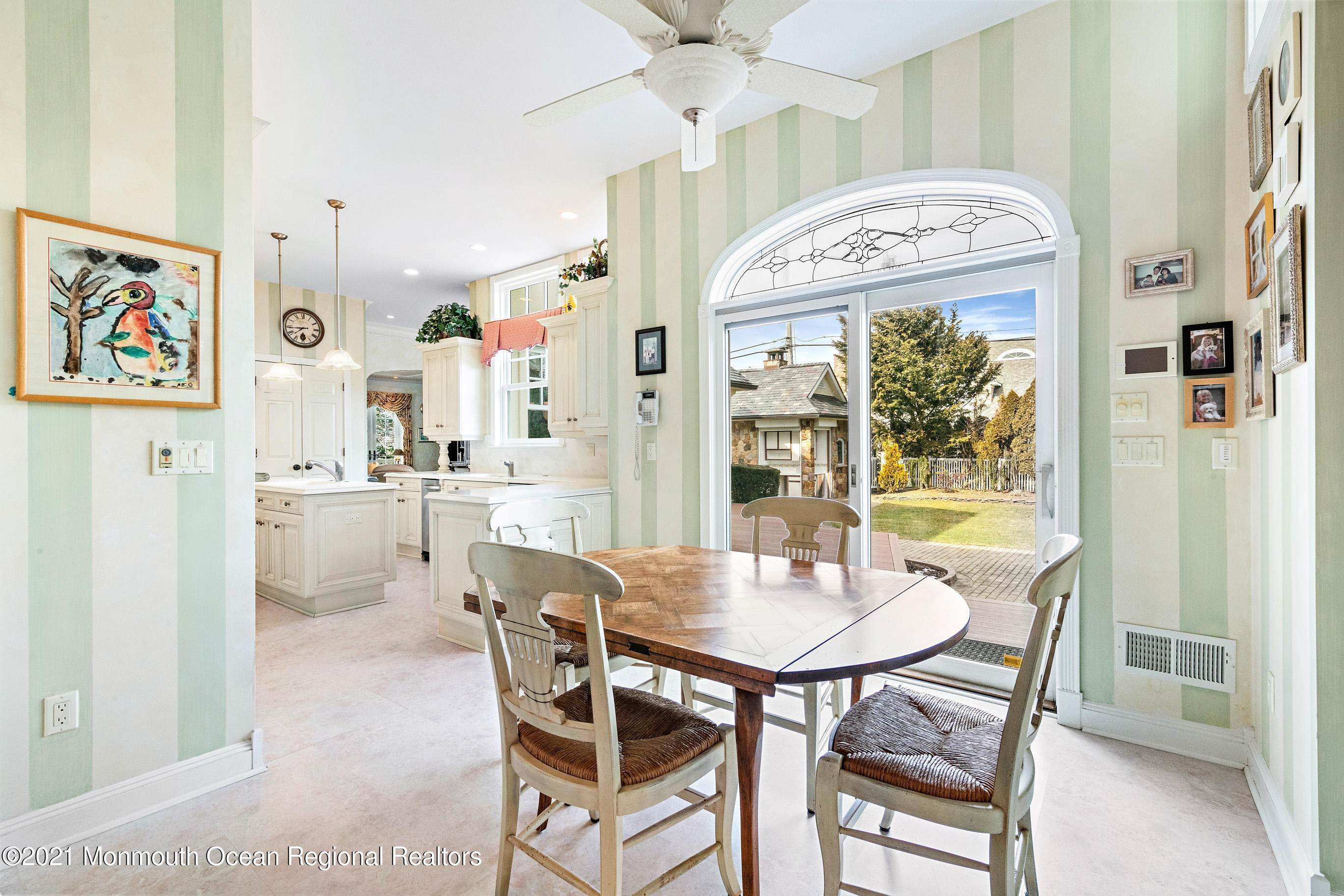33. Single Family Homes for Sale at 117 New York Boulevard Sea Girt, New Jersey 08750 United States