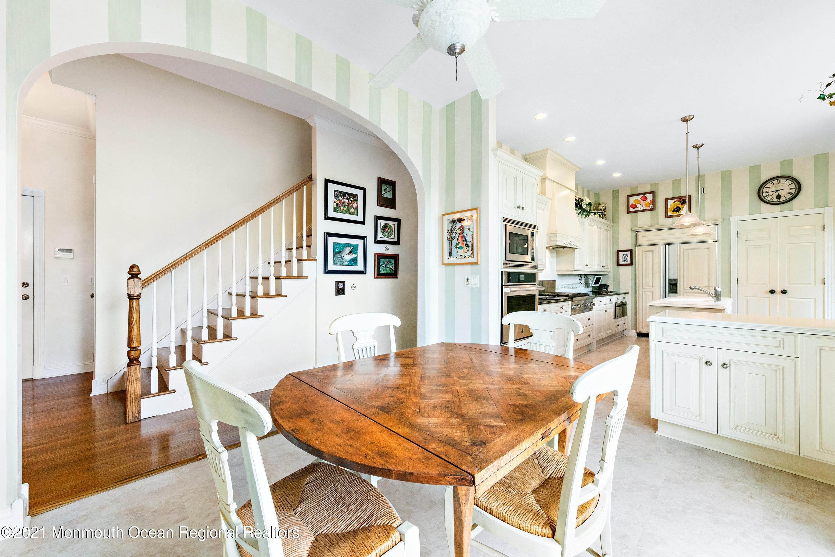 35. Single Family Homes for Sale at 117 New York Boulevard Sea Girt, New Jersey 08750 United States