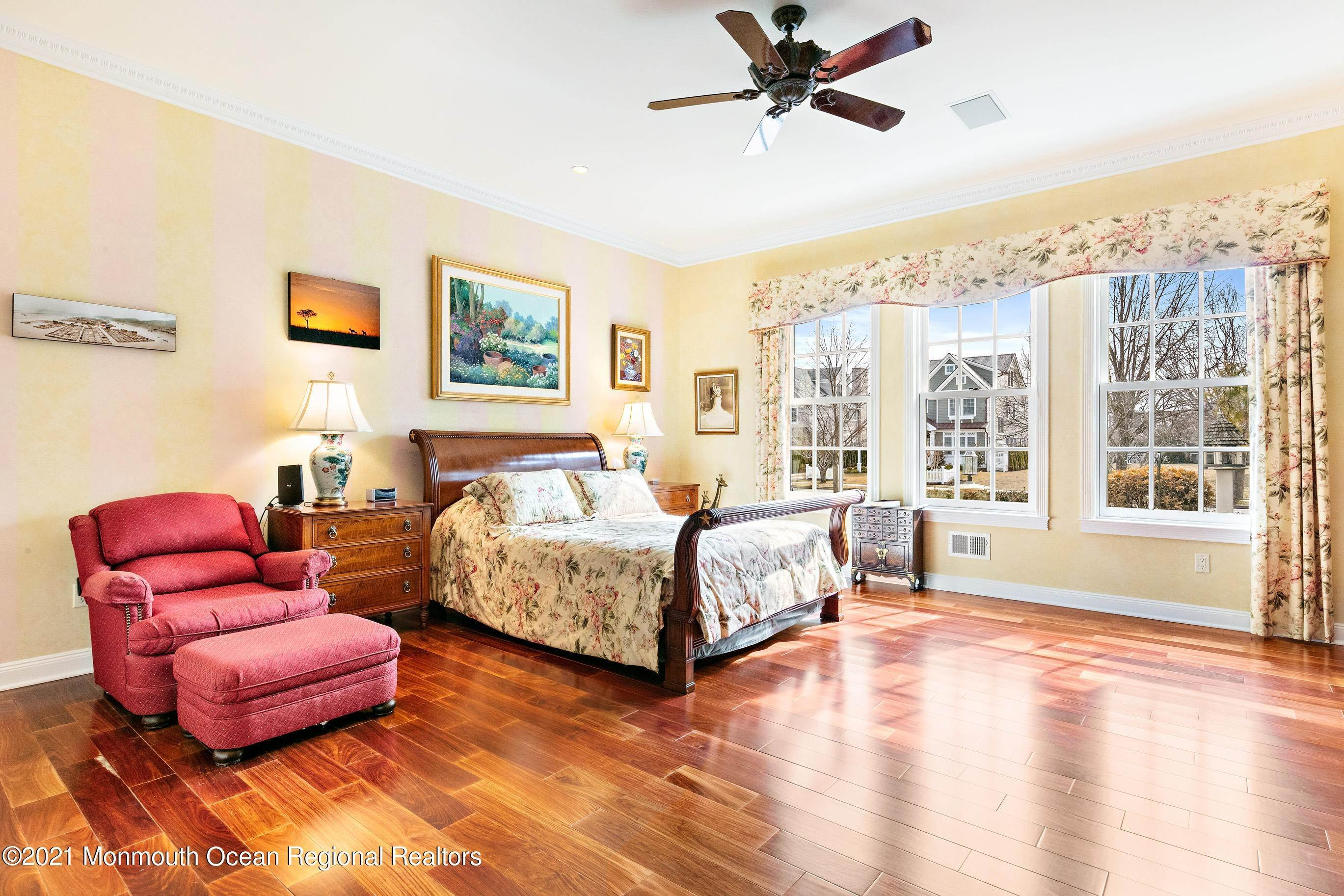 43. Single Family Homes for Sale at 117 New York Boulevard Sea Girt, New Jersey 08750 United States