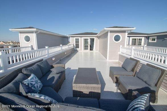 32. Single Family Homes for Sale at 506 Bay Boulevard Seaside Heights, New Jersey 08751 United States