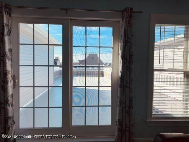 36. Single Family Homes for Sale at 506 Bay Boulevard Seaside Heights, New Jersey 08751 United States