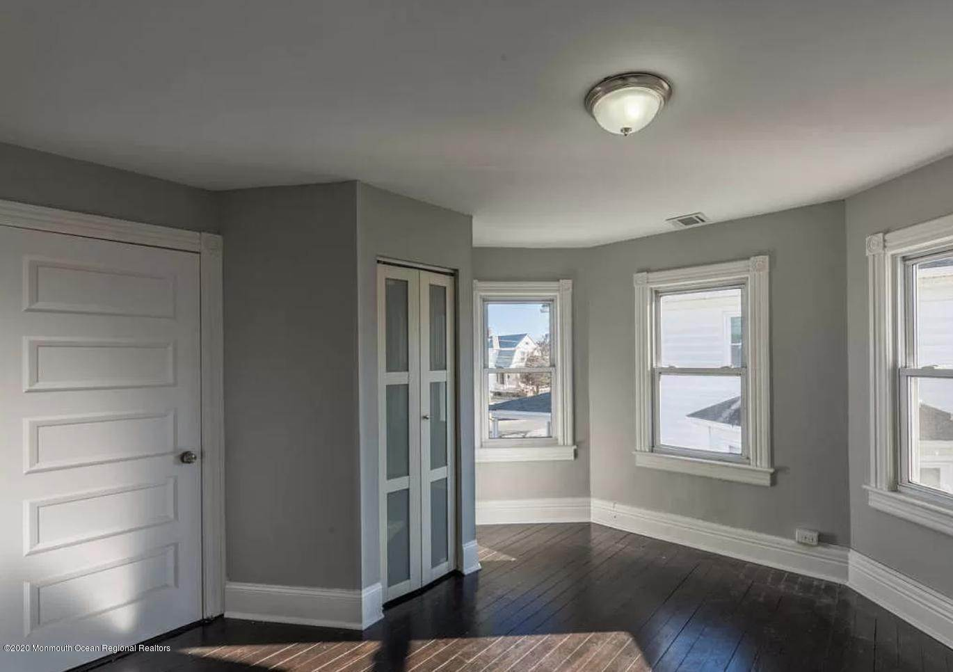 4. Single Family Homes for Sale at 36 Slocum Place Long Branch, New Jersey 07740 United States