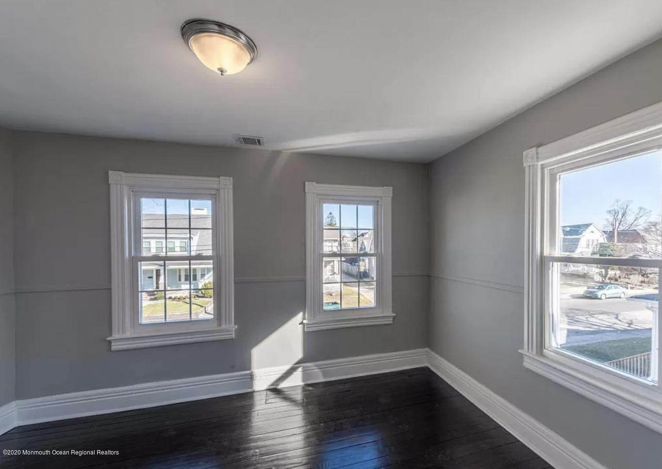 19. Single Family Homes for Sale at 36 Slocum Place Long Branch, New Jersey 07740 United States