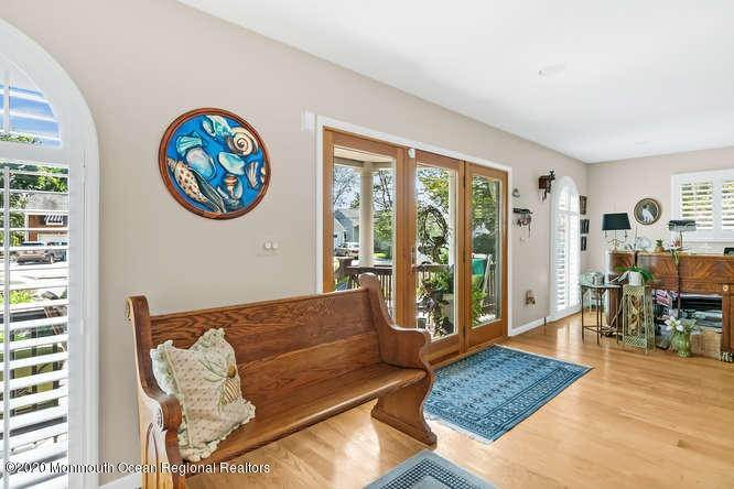 5. Single Family Homes for Sale at 248 Park Avenue Bay Head, New Jersey 08742 United States
