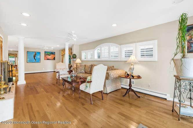 9. Single Family Homes for Sale at 248 Park Avenue Bay Head, New Jersey 08742 United States