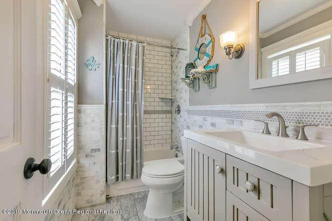 18. Single Family Homes for Sale at 503 1/2 Monmouth Avenue Bradley Beach, New Jersey 07720 United States