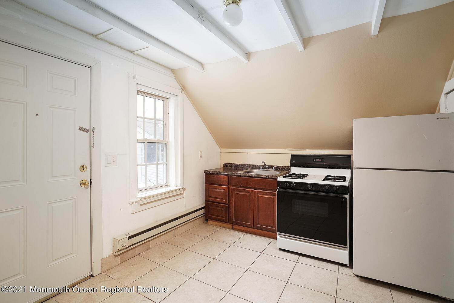 27. Multi-Family Homes for Sale at 250 Hancock Avenue Seaside Heights, New Jersey 08751 United States