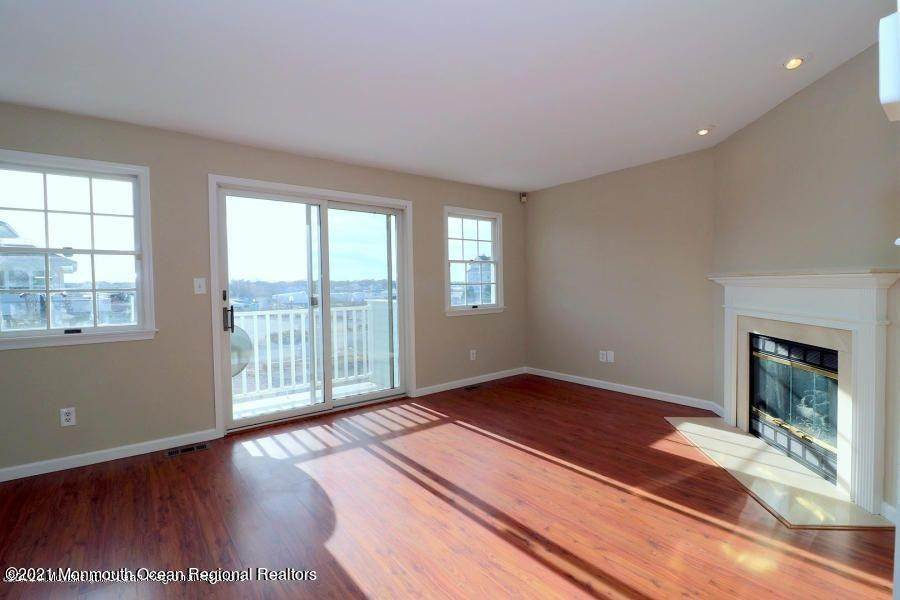 9. Condominiums for Sale at 331 Lacey Road Forked River, New Jersey 08731 United States